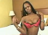 Sexy Ebony Transe wichst für dich