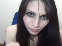 Sexy Shemale Luna wichst vor Webcam
